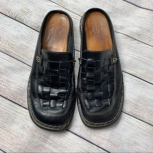 FRYE   leather woven Corsica mules black 8.5